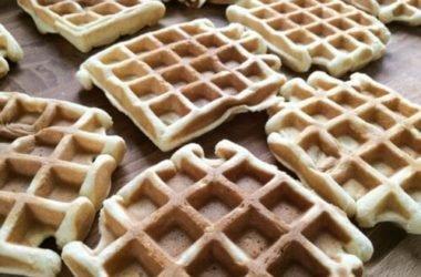 Waffel alla crema: la ricetta facile di questo dolci conosciuti anche come gauffres o waffles