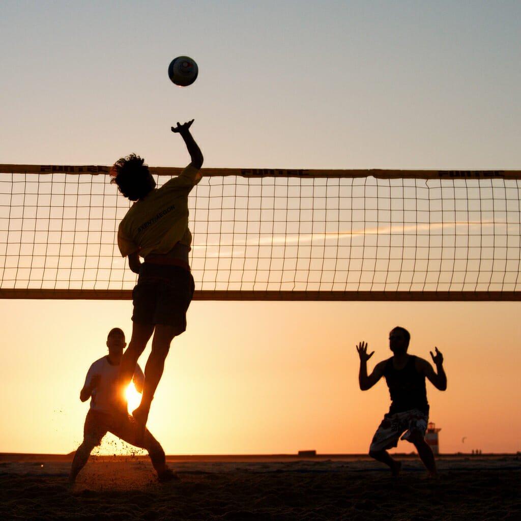 Photo of Guida al beach volley, una disciplina sempre più popolare che si può praticare non solo d'estate