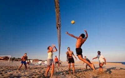 Guida al beach volley, una disciplina sempre più popolare che si può praticare non solo d'estate
