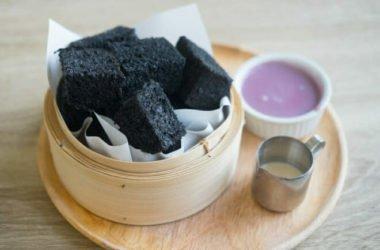 Tutto sul pane nero al carbone vegetale: fa bene o no? Quali tipi esistono?