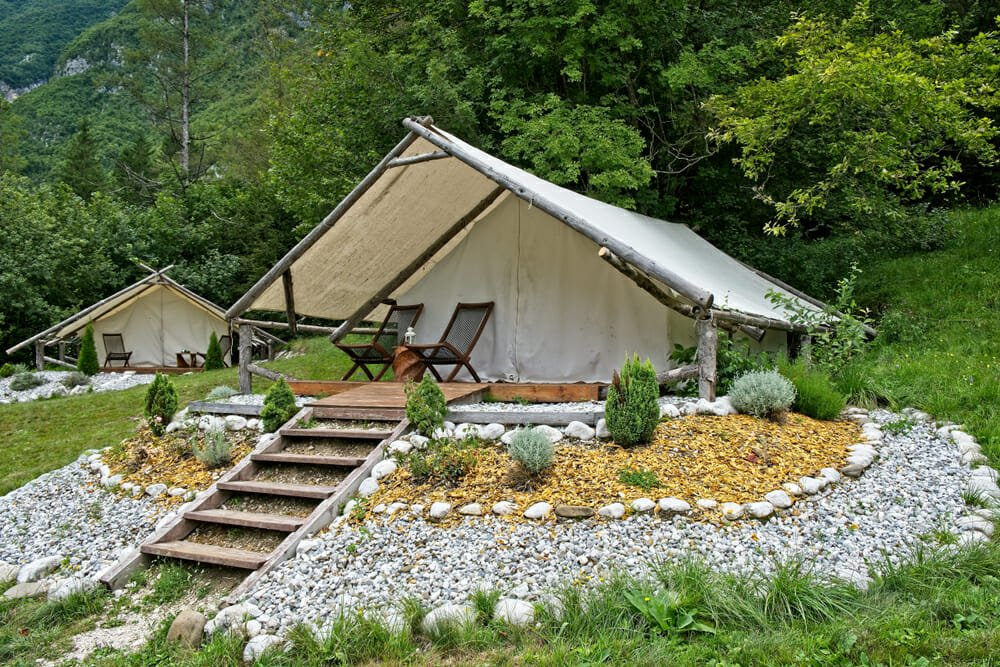 Photo of Glamping: relax e natura in una tenda che è come un hotel a 5 stelle