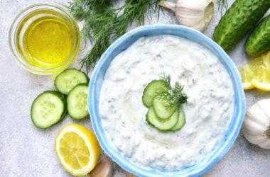 Una ricetta per l'estate che più fresca non si può: tzatziki fatto in casa