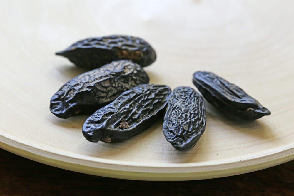 Photo of Fava Tonka: il seme cumaru, utilizzo e proprietà