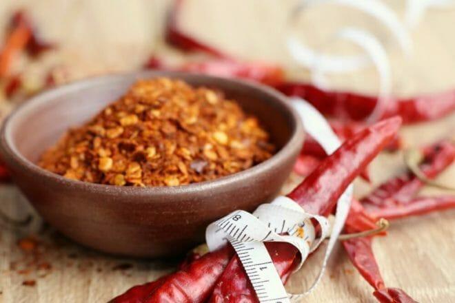 Photo of Scopriamo le proprietà e gli utilizzi del pepe di cayenna, una spezia dalle caratteristiche interessanti