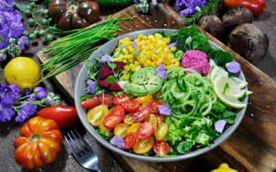 Ricette di insalate per tutti: vegani, intolleranti al glutine, con legumi, cereali e semi