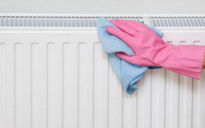 Bisogna pulire i termosifoni per avere un aria più sana e maggiore igiene in casa: ecco come fare