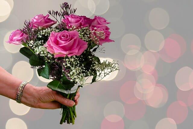 Mazzo Di Fiori 50 Anni.Fiori Per Compleanno Ad Ognuno Il Suo Fiore Di Buon Compleanno