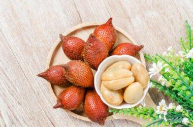 Alla scoperta del salak o frutto del serpente, un frutto tropicale ricco di interessanti proprietà