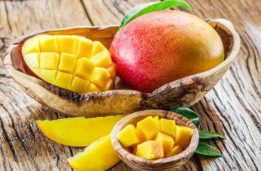 Le proprietà del mango, le ricette più buone e la guida per tagliarlo facilmente
