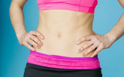 Consigli pratici per avere la pancia piatta: vediamo l'alimentazione e gli sport più adatti