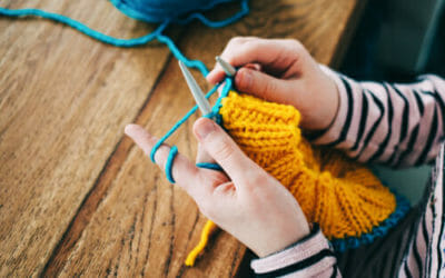 7 buone ragioni per lavorare a maglia: un'attività dai tanti benefici diretti e indiretti