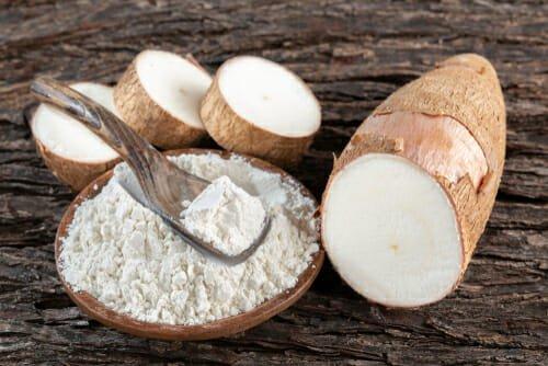 Photo of Quello che c'è da sapere sulla manioca: proprietà e ricette da preparare