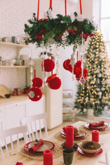 Decorare la casa per Natale con il fai-da-te