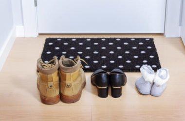Perché togliere le scarpe in casa è meglio? Igiene, salute e non solo…