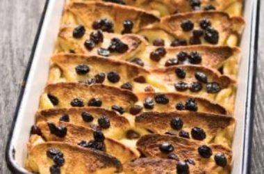 Tante ricette per fare la torta di pane sia dolce che salata, un piatto della tradizione popolare semplice, ma gustoso
