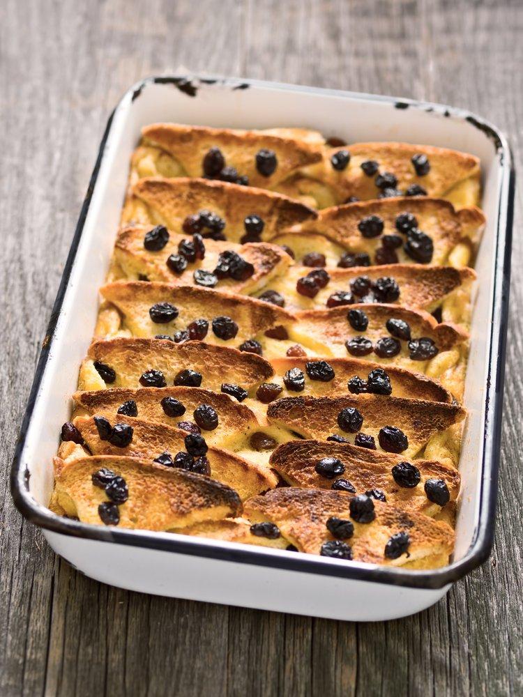 Photo of Tante ricette per fare la torta di pane sia dolce che salata, un piatto della tradizione popolare semplice, ma gustoso
