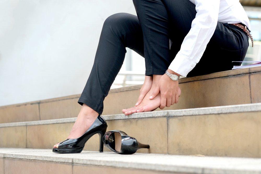 Photo of Per avere piedi sani e belli bisogna prendersene cura. Ecco i rimedi per i piccoli problemi comuni delle nostre estremità!