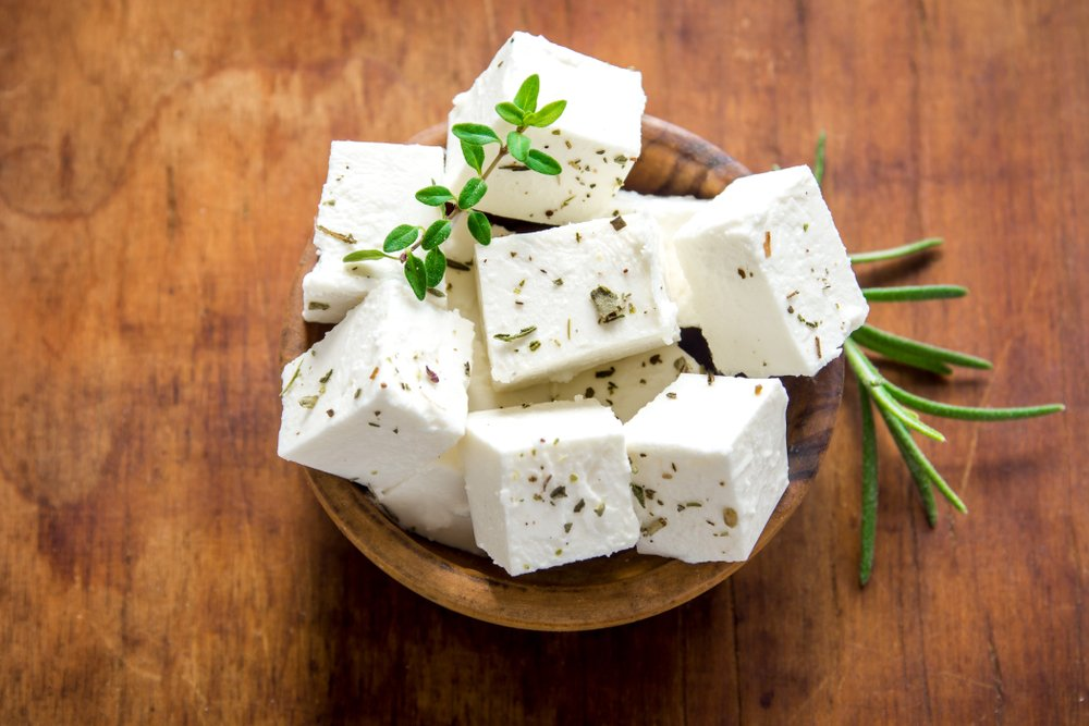 Photo of Tante informazioni sulla feta, il formaggio della classica insalata greca, che può essere usato anche in tante altre ricette
