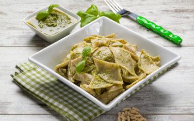 La ricetta dei testaroli, un piatto della tradizione contadina da riscoprire in molte varianti