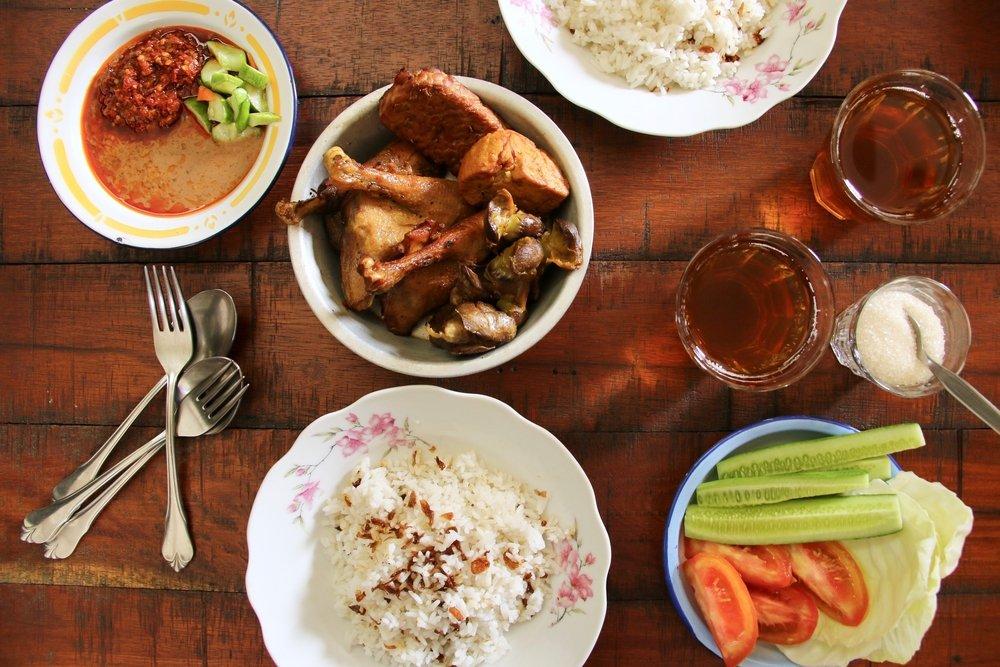 Photo of Scopriamo cos'è il cibo Halal, cioè consentito perché preparato secondo le regole dall'Islam