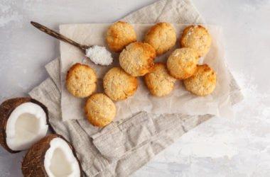 6 ricette di biscotti al cocco facili da preparare che metteranno d'accordo tutti