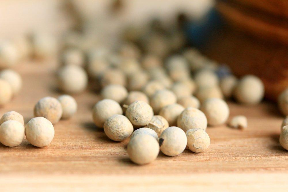 Photo of I segreti del pepe bianco e le differenze rispetto al pepe tradizionale
