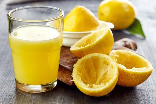Photo of Succo di limone: quello che non sai su questo elisir di bellezza