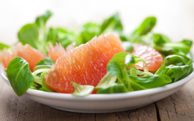 Provate l'insalata di pompelmo, ricetta estiva molto gradevole ed efficace contro il caldo