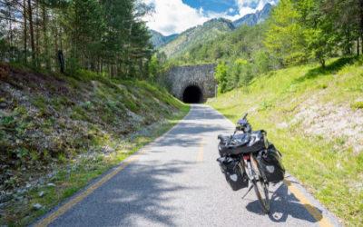 La ciclovia Alpe Adria offre una vacanza in sella a tutta la famiglia attraverso i meravigliosi paesaggi del Friuli e dell'Austria
