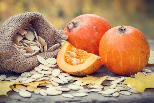 Photo of Tutto sui semi di zucca: un alimento non solo commestibile, ma anche prezioso per la nostra salute