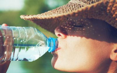 E' proprio vero che bere acqua fa bene alla salute? Anche qui non bisogna esagerare!