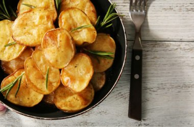 Scopriamo come cucinare le patate al meglio: al forno, fritte, lesse o facendo il purè