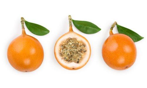 Photo of La granadilla, un frutto tropicale chiamato anche maracuja gialla da mangiare con il cucchiaino