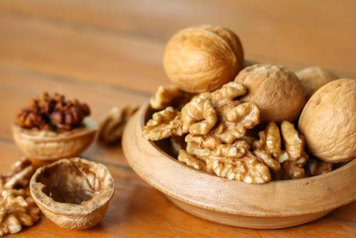 Quello che c'è da sapere sulle noci, un alimento ricco di proprietà benefiche