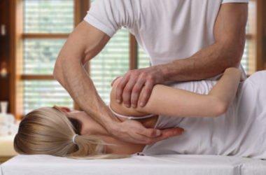 Osteopata, tutto su questo terapeuta che cura corpo, mente e spirito