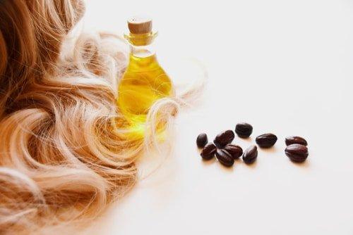 Olio di Jojoba per i capelli
