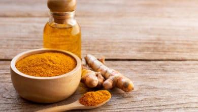Photo of Guida all'olio di curcuma, come utilizzarlo in cucina e in cosmesi per pelle e capelli