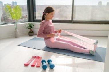 Tutto sulla banda elastica per il fitness a casa o in palestra