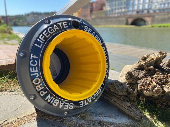 Circolo Canottieri a Firenze, a pochi passi da Ponte Vecchio, che è stato infatti collocato il primo cestino Seabin