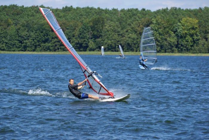 windsurf al lago