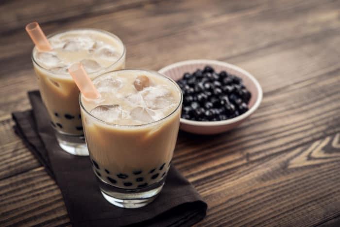 bubble tea fatto con sciroppo di tapioca e perle di tapioca